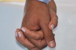 hand-in-hand-435049_960_720